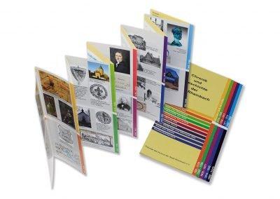Folder mit Treppenfalz